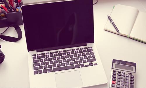 hyväntekeväisyysturnausten-järjestäjien-kirjanpitäjän-työpöytä