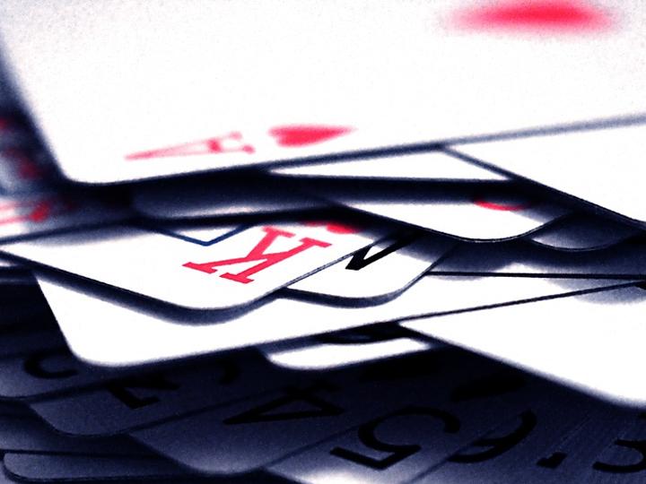 Solitaire-peliä-pelata-pelikortit