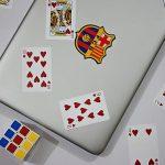 PC-pelihyväntekeväisyysturnaus-kannettava-tietokone-ja-kortit